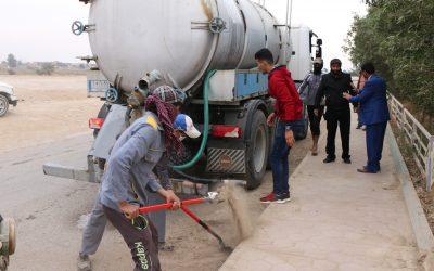 جامعة واسط تنظم حملة لتنظيف الشوارع والأرصفة المحيطة بالحرم الجامعي