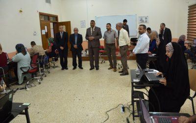 رئيس جامعة واسط يطلع على سير الامتحان التنافسي للدراسات العليا في كليات الجامعة