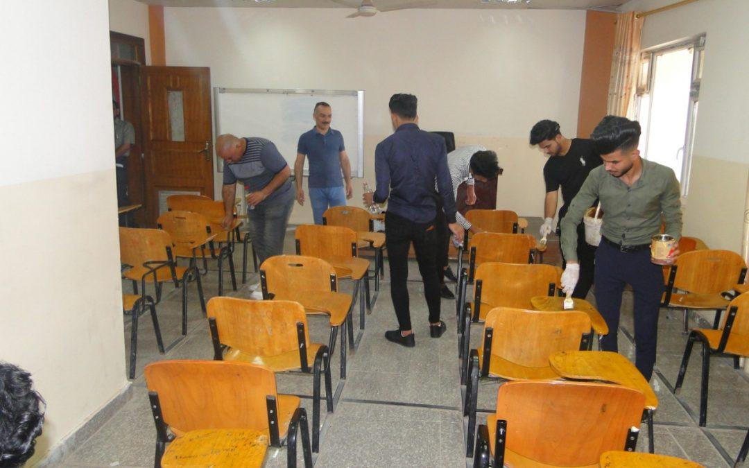 حملة صيانة وإدامة للقاعات الامتحانية تشهدها كلية التربية للعلوم الإنسانية