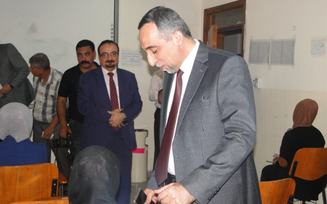 رئيس جامعة واسط يتفقد القاعات الامتحانية في كلية التربية  للعلوم الإنسانية